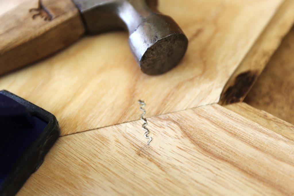 corrugated nail | بست موج دار